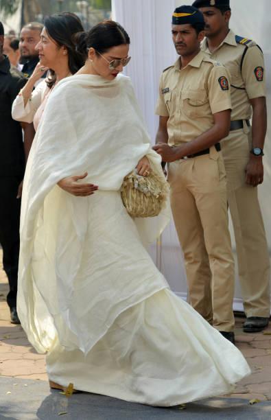 Rekha arrives at Celebration Sports Club to pay last respects to Sridevi in Mumbai