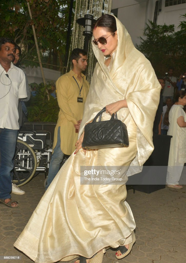 Rekha at Shashi Kapoor`s condolence meeting at Prithvi Theatre in Mumbai