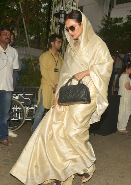 Rekha at Shashi Kapoor`s condolence meeting at Prithvi Theatre in Mumbai