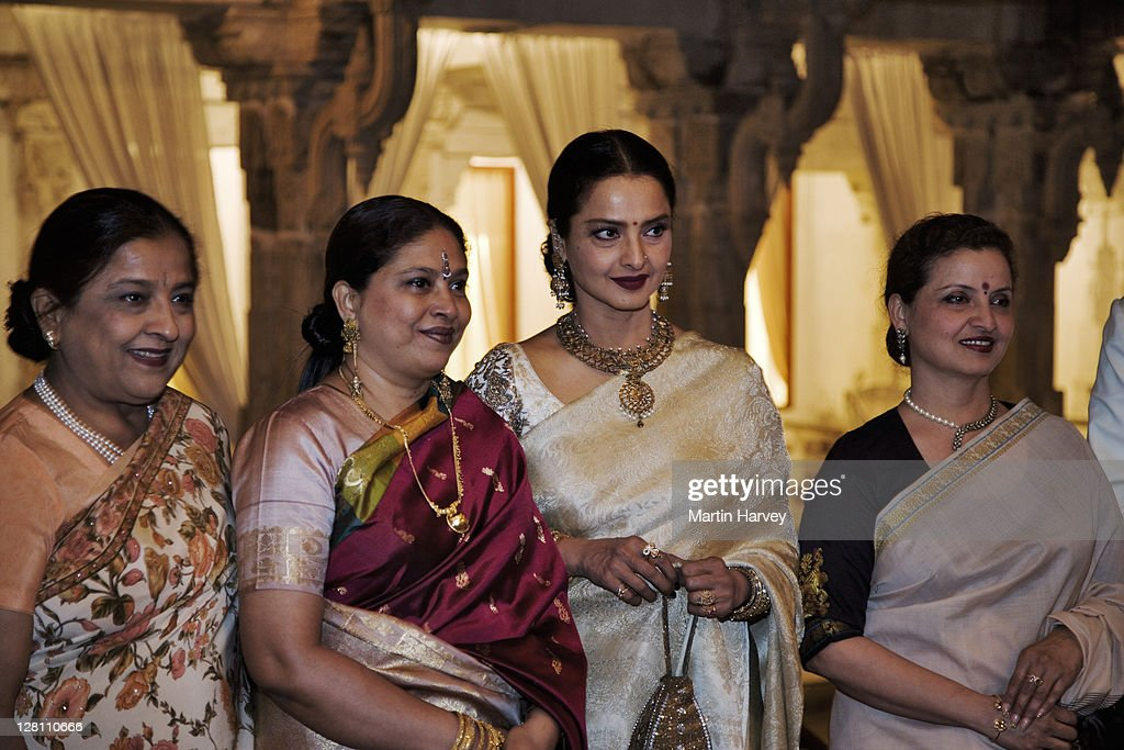 Rekha, Bollywood actress, Rekha with guests at Holi festival. Udaipur, India.