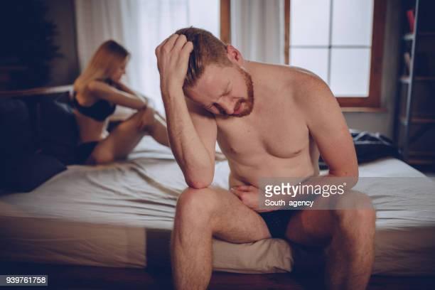 problemas de relação - cama de casal - fotografias e filmes do acervo