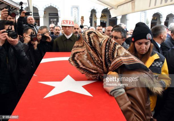 A relative of First Lieutenant Erdem Mut who was martyred in a helicopter accident within the 'Operation Olive Branch' in Syria's Afrin region mourns...