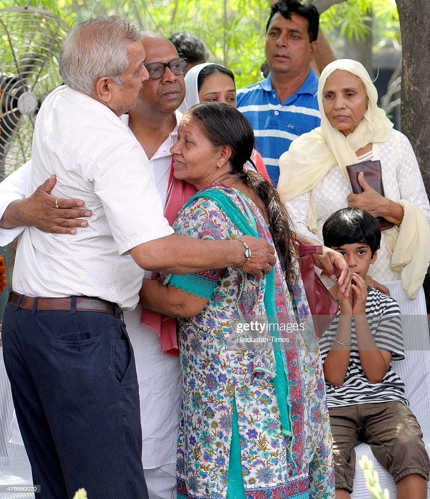 Relative offering condolence to Anuj the son of Padma Shri Nek Chand Creator and Director of the iconic Rock Garden who has amazed people for decades.