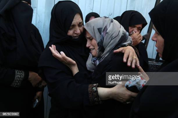 Relatives mourn during the funeral of 29yearold Osama Khalil Abu Khater who died after he was shot by Israeli forces during clashes on the Gaza...