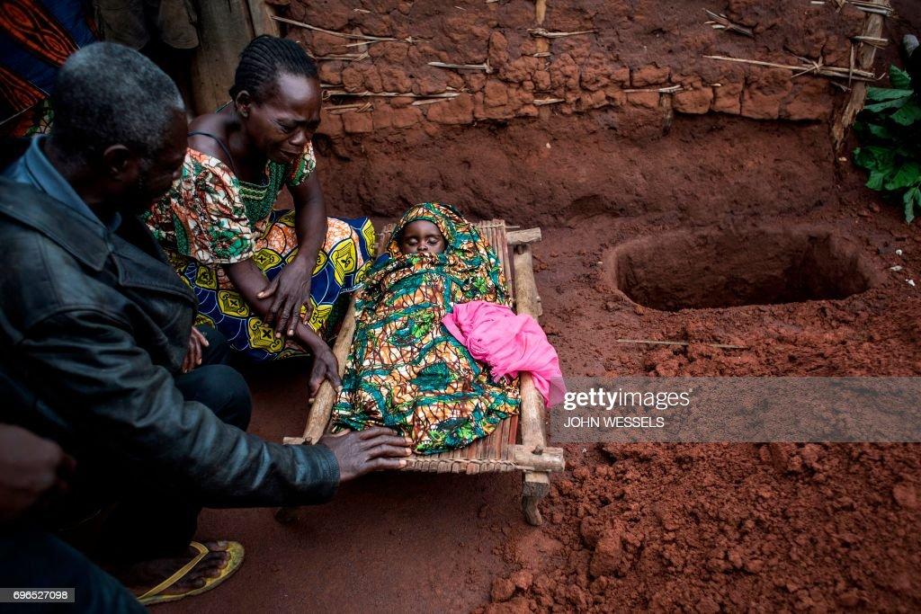 TOPSHOT-DRCONGO-HEALTH-MALARIA : News Photo