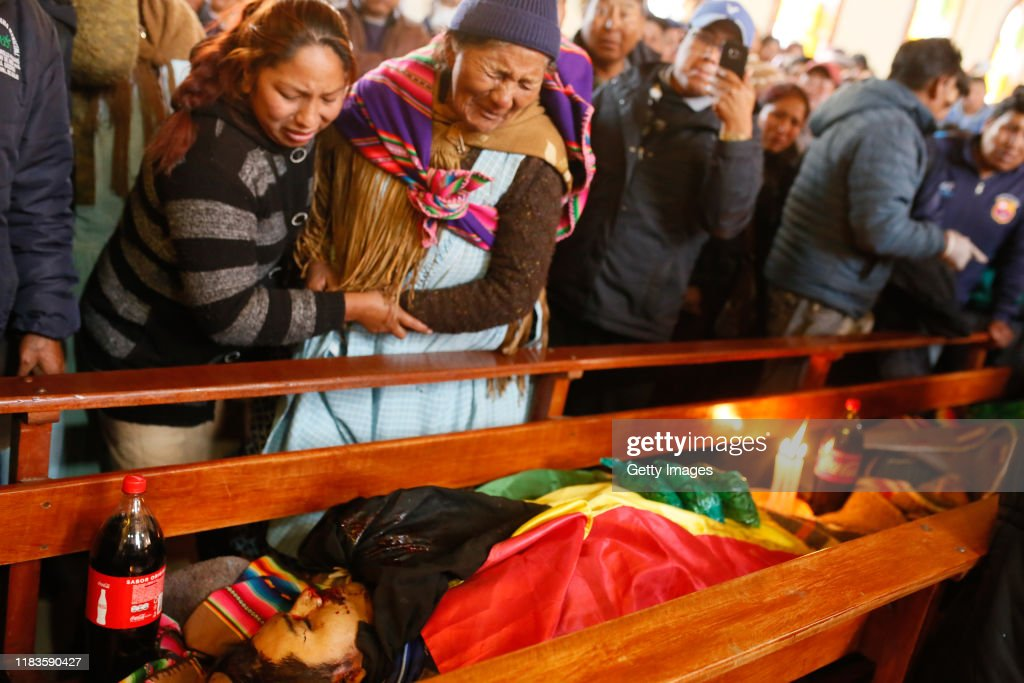 Funeral For Indigenous Killed During Clashes With Police In Fuel Plant : Fotografía de noticias