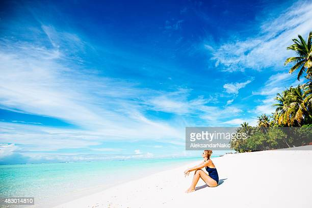 relaxation at the beach - idyllic stock pictures, royalty-free photos & images