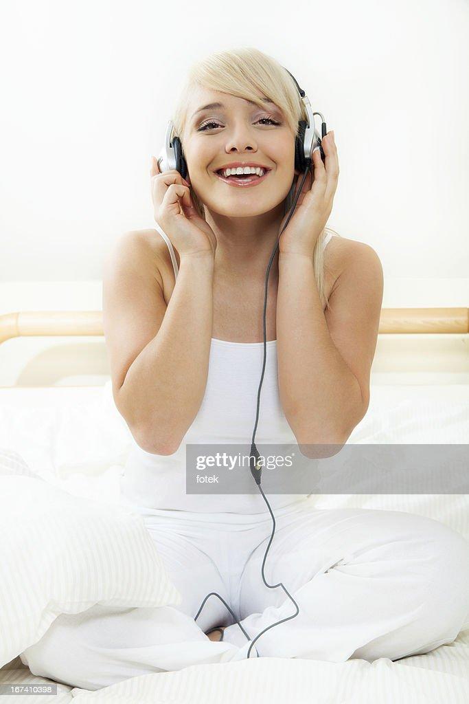 Relaxation with music : Bildbanksbilder