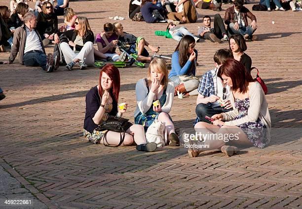 rilassante in piazza del campo xxxl - fotofojanini foto e immagini stock