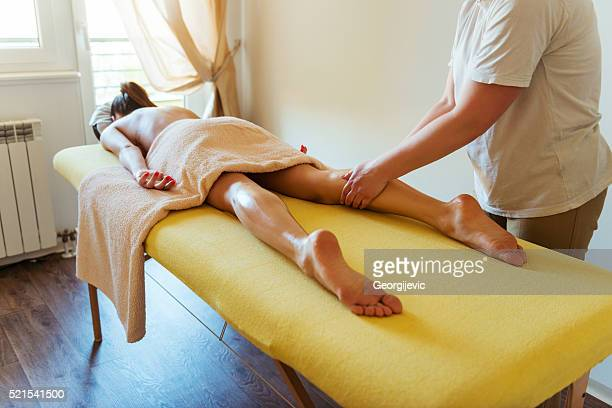 relaxing massage - pretty toes and feet stock photos and pictures