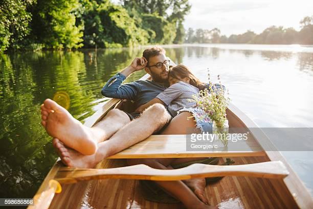relaxing ride - bateau à rames photos et images de collection