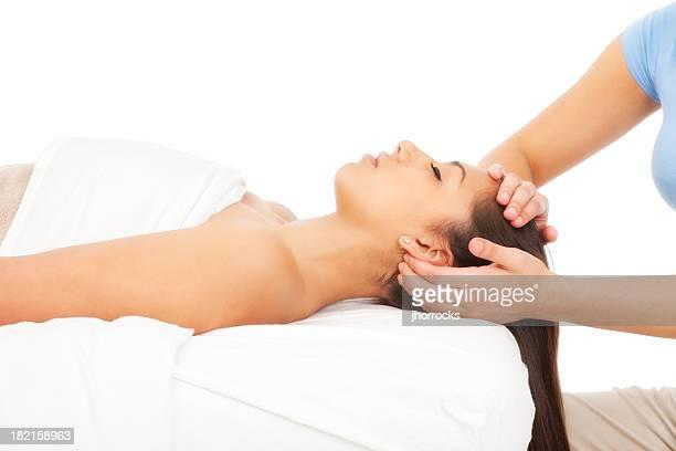 Massage relaxant du cuir chevelu