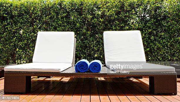 relaxing seats - lounge chair stock pictures, royalty-free photos & images