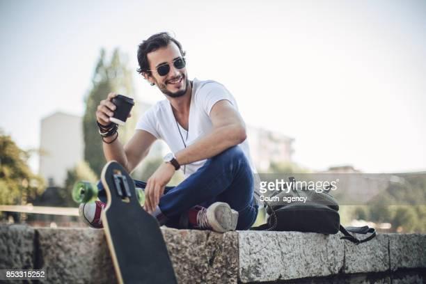 entspannen mit kaffee - serbien stock-fotos und bilder