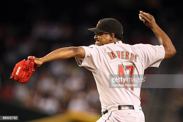 Releif pitcher Jose Valverde of the Houston Astros pitches against the Arizona Diamondbacks in the major league baseball game at Chase Field on June...
