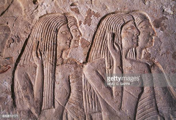 Ancient egyptian relief carving photos et images