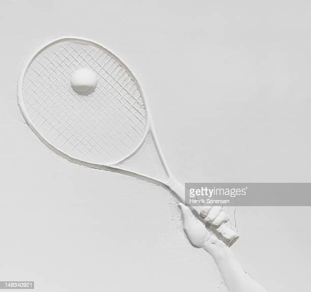 relief of tennis racket