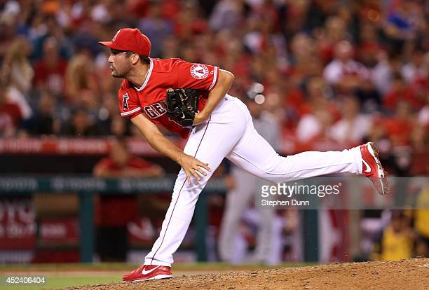 Relief pitcher Huston Street of the Los Angeles Angels of Anaheim throws a pitch in the ninth inning against the Seattle Mariners at Angel Stadium of...