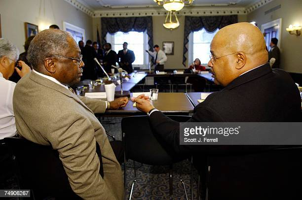 RELIEFDemocratic Caucus Chair James E Clyburn DSC and forum moderator Joe Madison a radio host on WOL/AM and XM Radio talk before the forum on...
