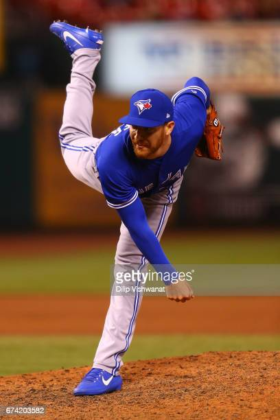 Reliever Danny Barnes of the Toronto Blue Jays pitches against the St Louis Cardinals in the eighth inning at Busch Stadium on April 27 2017 in St...