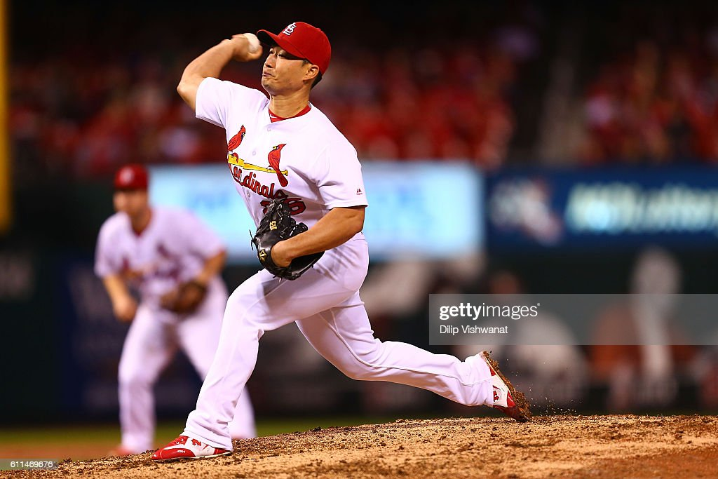 Reliever Seung Hwan Oh #26 of the St. Louis Cardinals pitches against the Cincinnati Reds in the ninth inning at Busch Stadium on September 29, 2016 in St. Louis, Missouri.