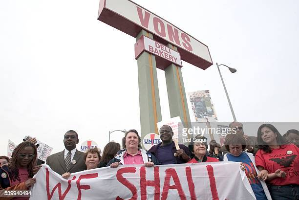 Religious, Los Angeles community, labor and elected leaders participate in civil disobedience at a Vons supermarket on Fairfax Avenue at Pico...