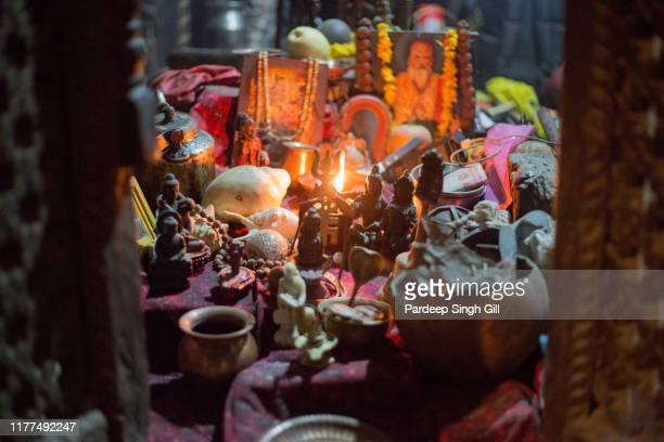 religious ornaments at pashupatinath temple in kathmandu, nepal - pashupatinath stock pictures, royalty-free photos & images