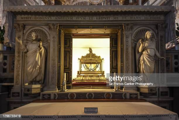 reliquary with the chains of st. peter in san pietro in vincoli basilica in rome. lazio, italy - pope stock pictures, royalty-free photos & images