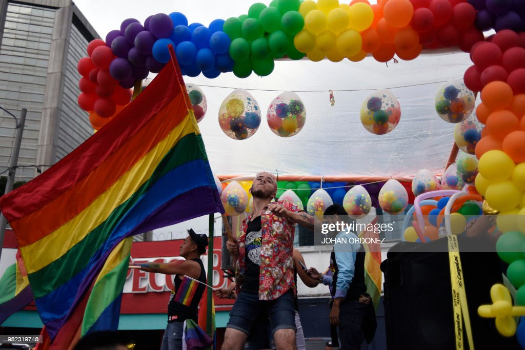TOPSHOT-GUATEMALA-GAY-PRIDE-PARADE : News Photo