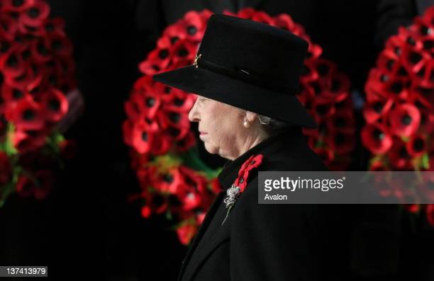 Remembrance Service, at the Cenotaph, Whitehall. Queen Elizabeth II laying a wreath.