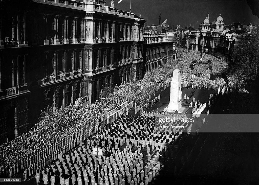Ceremony At London Cenotaph : News Photo