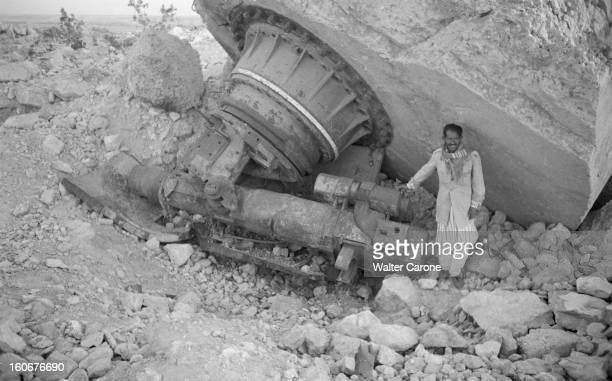 Remnants Of World War Ii In Tobruk Libye Mai 1954 Suites de la deuxième guerre mondiale reportage dans la ville de Tobrouk Un Libyen devant des...