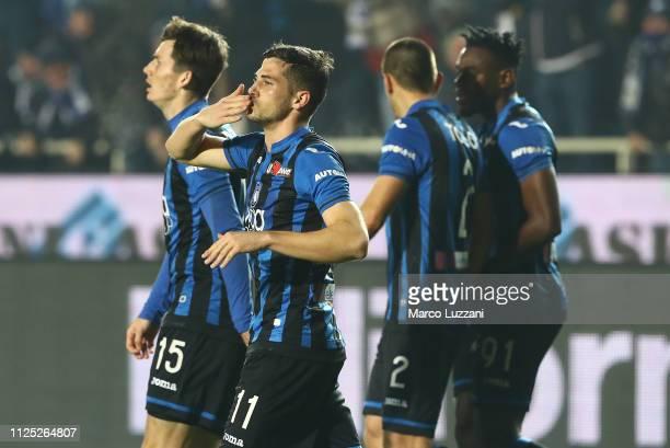 Remo Freuler of Atalanta BC celebrates after scoring the opening goal during the Serie A match between Atalanta BC and AC Milan at Stadio Atleti...