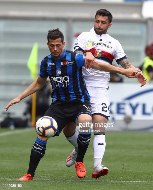 Remo Freuler of Atalanta BC competes for the ball with Daniel Bessa of Genoa CFC during the Serie A match between Atalanta BC and Genoa CFC at Mapei...