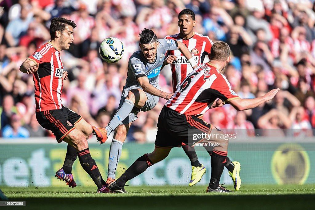 Sunderland v Newcastle United- Barclays Premier League : News Photo