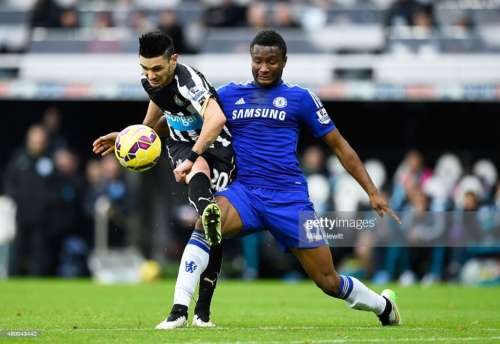 Newcastle United v Chelsea - Premier League : News Photo