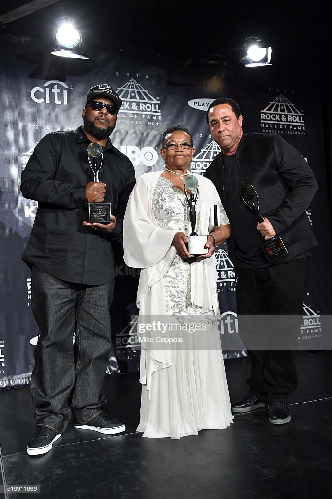 MC Ren and DJ Yella of N.W.A. pose with Eazy-E's mother Katie Wright at the 31st Annual Rock And Roll Hall Of Fame Induction Ceremony at Barclays Center on April 8, 2016 in New York City.