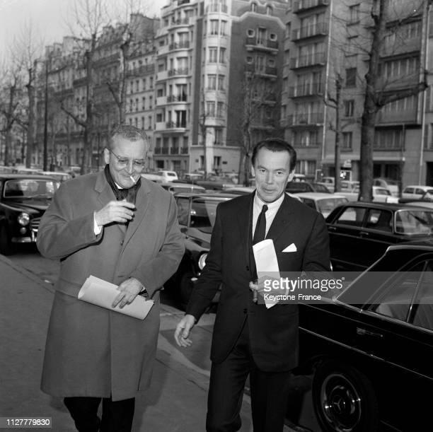 René Tomasini député de l'Union des démocrates pour la Ve République à droite et Albin Chalandon député de l'UDVe d'Asnières à Paris France en mars...