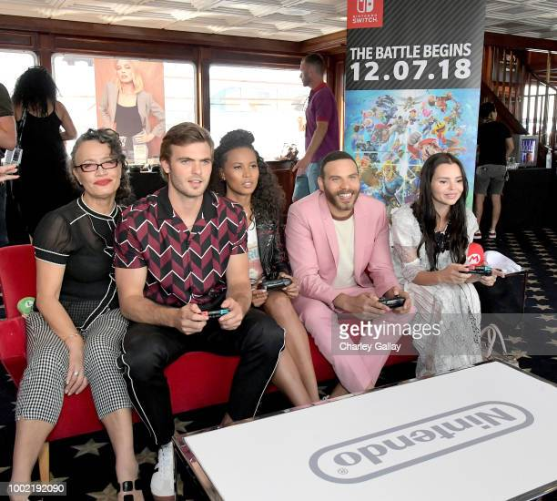 Rena Owen Alex Roe Fola EvansAkingbola Ian Verdun and Eline Powell put their gaming skills to the test playing Mario Kart 8 Deluxe on Nintendo Switch...