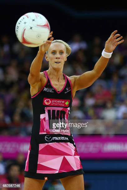 Renae Ingles of the Thunderbirds passes during the round 12 Super Netball match between the Firebirds and the Thunderbirds at Brisbane Entertainment...
