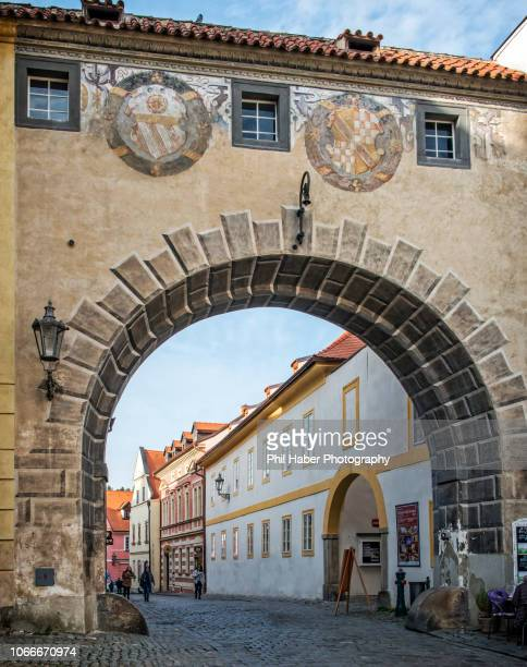 renaissance archway in cesky krumlov - phil haber stock pictures, royalty-free photos & images