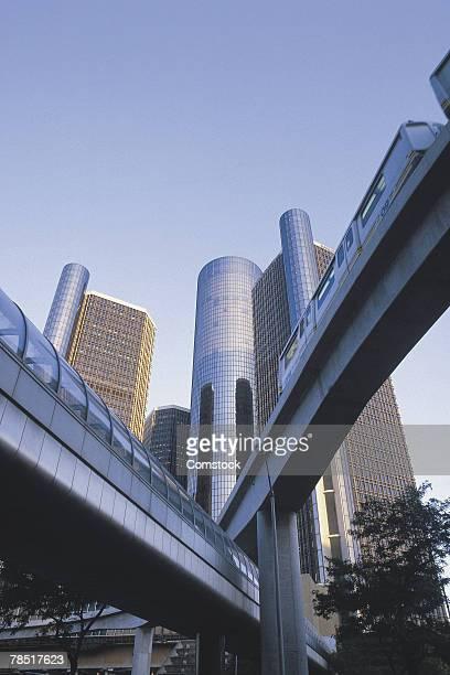 renaissance center and monorail , detroit , michigan - detroit michigan fotografías e imágenes de stock