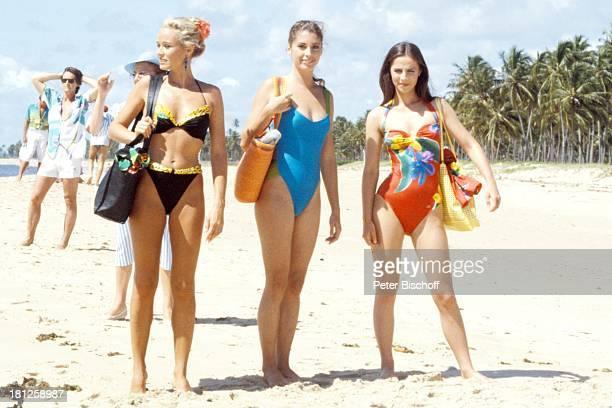 Renate Langer Olivia Pascal Regina Sattler neben den Dreharbeiten zur ZDFReihe Traumschiff Folge 15 Brasilien Episode 13 K r e u z f a h r t Landgang...