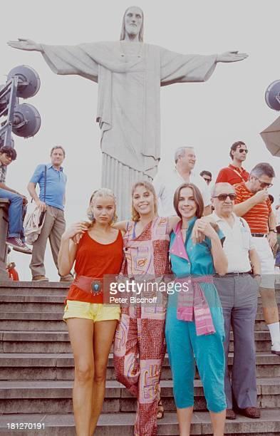 Renate Langer Olivia Pascal Regina Sattler neben den Dreharbeiten zur ZDFReihe Traumschiff Folge 15 Brasilien Episode 13 Rio de...