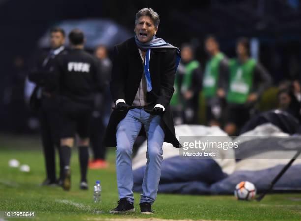 Renato Gaucho coach of Gremio gestures during a round of sixteen first leg match between Estudiantes de La Plata and Gremio as part of Copa CONMEBOL...