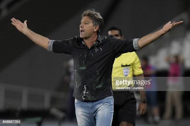 Renato Gaucho head coach of Gremio reacts during the match between Botafogo and Gremio as part of Copa Bridgestone Libertadores 2017 QuarterFinals at...
