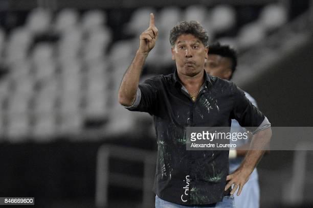 Renato Gaucho head coach of Gremio reacts during the match between Botafogo and Gremio as part of Copa Bridgestone Libertadores 2017 QuarterFinalsat...