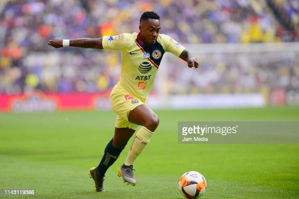 Renato Ibarra of America controls the ball during the 14th round match between America and Cruz Azul as part of the Torneo Clausura 2019 Liga MX at...