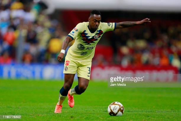 Renato Ibarra of America drives the ball during the quarterfinals first leg match between America and Tigres UANL as part of the Torneo Apertura 2019...