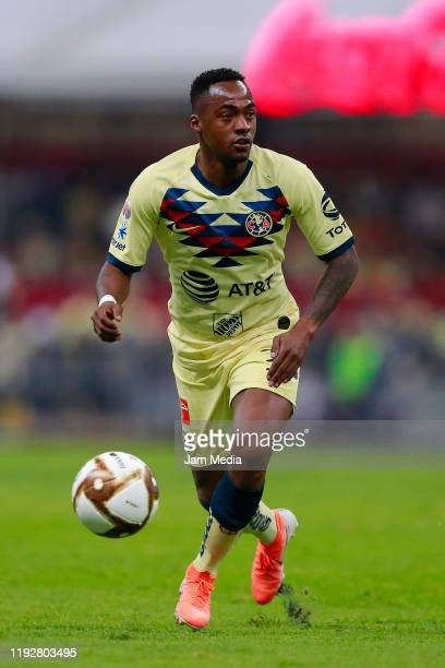 Renato Ibarra of America drives the ball during the Semifinals second leg match between America and Morelia as part of the Torneo Apertura 2019 Liga...